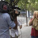 Una delantera que se quitó la corbata amarilla en Barcelona acepta una pena de dos años de prisión
